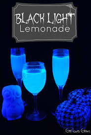 Scary Ideas For Halloween Party by Best 25 Halloween Drinks Kids Ideas On Pinterest Halloween