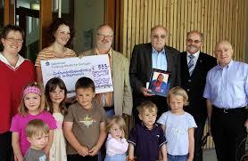Da kommt Freude auf: Simone Wehrle und Alexandra Rehm von Kindergarten konnten von Martin Krieg und Fürst Erich (von links) eine große Spende entgegennehmen ... - 16038146