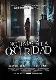 No temas a la oscuridad (2011) [Latino]