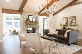 Fixer Upper Living Room Wall Decor Season 4 Episode 1 House Seasons Joanna Gaines And Magnolia