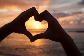 Namorar faz bem ao coração - Saúde em Dia