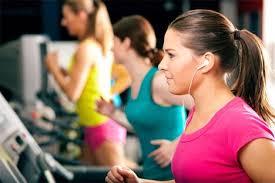 mendengar musik saat fitness