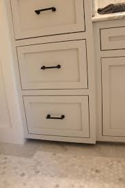 Kitchen Cabinets Door Pulls by Kitchen Knobs And Pulls Knobs Handles U0026 Pulls Choosing