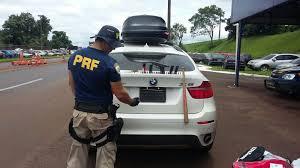 Carro de luxo é apreendido com equipamento para esconder placa ...