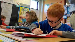 Elementary school students will get   hour of mandatory math a day     CBC