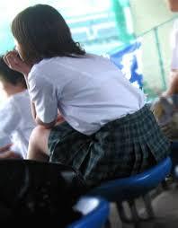 巨乳中学生 体育着 ノーブラで体操服を着て乳首ポッチしたJSたち!体操服越しの胸の ...
