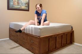 Platform Storage Bed Plans With Drawers by Make A Queen Size Bed With Drawer Storage Youtube
