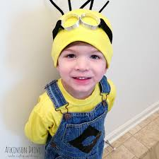 4 year old boy halloween costumes diy minion halloween costume yes pinterest minion halloween