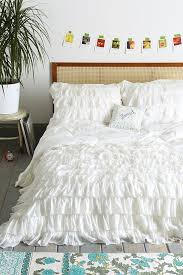 White Bedroom Furniture Jerome Best 25 White Queen Bed Ideas On Pinterest Caladium Garden