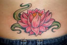 Tatuagem de flor de lótus: fotos