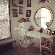 Vanity Bedroom Makeup Bedroom Appealing Makeup Vanity Table With Lighted Mirror For