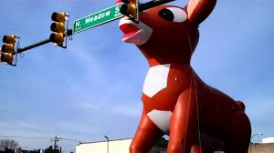 thanksgiving parade balloons rudolph balloon christmas parade tragedy youtube