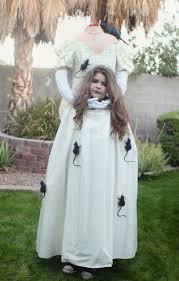 Bride Halloween Costume Ideas Super Spooky Headless Bride Halloween Costumes Costumes