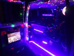 13 passenger karaoke party van dj limousines