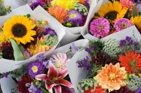 Bringing a bouquet of flowers makes a great impression on a first date  PairedLife
