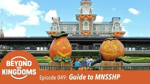 guide to the 2017 mickey u0027s not so scary halloween party youtube