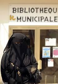 Exceptions à la Burka Images?q=tbn:ANd9GcQxqRIhdBkrHdsbOj3U8rKLU36yM4VlCABAuLTrK1zZWTWgxG5Qlw