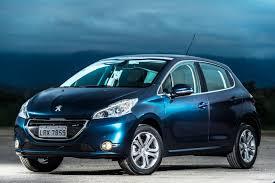 Peugeot vende 208 com câmbio automático pelo preço do manual ...