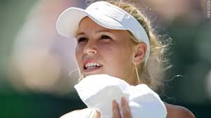 Golu Caroline Wozniacki spasila djelatnica turnira! Images?q=tbn:ANd9GcR0oPyNMC3zLtmgpcSihBABGrLtk19JAvRKt0lLgVp7xP8FGihR_Q