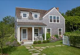 Nantucket Style Homes by Beach House Tour Classic Nantucket Beach House