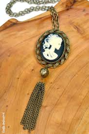 halloween accessories diy halloween necklace skeleton cameo crafts unleashed
