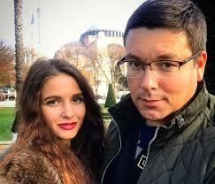 Андрей Чуев показал свою новую девушку?