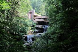 Straight vs  Curved Lines in Architecture     the Importance of     Mind Shaped Box   WordPress com Fallingwater by Frank Lloyd Wright        a prime example of his Organic style  photo by wallyg