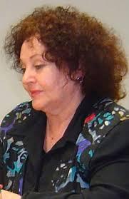 Inés María Guzmán. I. M. G.: Llegué cuando mi madre me concibió. Mis primeras lecturas fueron los cuentos de hadas donde aparecían en la contraportada ... - ines_maria_guzman_01