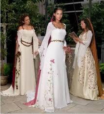 Vestidos de novia - Página 7 Images?q=tbn:ANd9GcR4fSlFOJNPBKNqoPkAH7D_G0BBBHaFmcDeOKnKTaQaAaFAv-8xwAoPdE-7