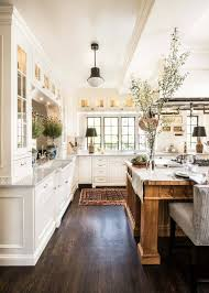 the ultimate must haves for a cozy farmhouse kitchen