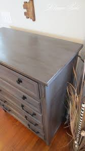 Chalk Paint Furniture Ideas by Best 20 Paint A Dresser Ideas On Pinterest Repainting Furniture