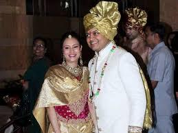 Aditi Deshmukh with hasband at Dheeraj Deshmukh wedding reception ... - Aditi%20Deshmukh%20with%20hasband%20at%20Dheeraj%20Deshmukh%20wedding%20reception