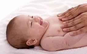 فوائد تدليك الطفل  Images?q=tbn:ANd9GcR7A8a0rXFWIAx3DqoA0zGdJP3tB5QvqlGREbXpeRq095hZqS1Yel3pcOSS