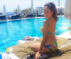 Woman left homeless after a break up is now using a travel dating     The Sun Woman left homeless after a break up is now using a travel dating site to tour the world for free