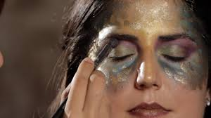 how to do mermaid eye makeup howcast the best how to videos on