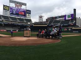 where are the tablets at at target for black friday five questions about tommies vs johnnies football at target field