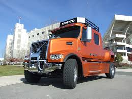volvo 18 wheeler dealer volvo vhd pickup front view this what i do all day long