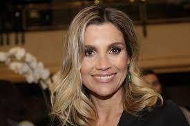 Flávia Alessandra garante que afinou o nariz com pregador de roupas