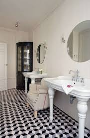 Black And White Bathroom by Black And White Tile Bathroom Decorating Ideas Idolza Living