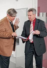 Sie leiten erfolgreich die Geschicke des Unternehmens: Frank Miller und Peter Schümann (rechts i.B.). Peter Schümann feiert in dieser Woche seinen 50. - Peter-Schümann