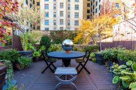 L Shaped Towhnome Courtyards 7 Bucolic Nyc Outdoor Spaces To Inspire You This Spring Curbed Ny