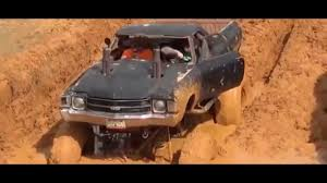monster trucks in the mud videos amazing ford monster trucks vs chevy monster truck monster truck