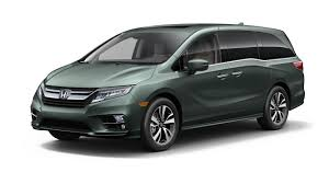 does lexus make minivan 2018 honda odyssey steps up to the new minivan battle