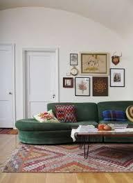 Green Sofa Living Room Ideas 30 Lush Green Velvet Sofas In Cozy Living Rooms Green Velvet