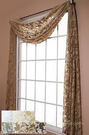 Windows Treatment Ideas For Living Room by Best 25 Window Toppers Ideas On Pinterest Cornice Ideas