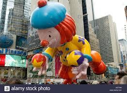 thanksgiving parade balloons thanksgiving parade new york crowd stock photos u0026 thanksgiving