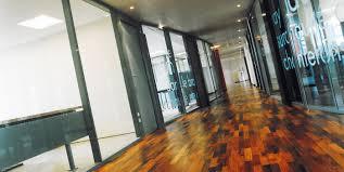 claustra bureau amovible création et fabrication de cloisons de bureaux modulaires en aluminium
