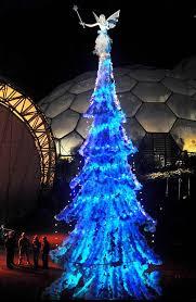Božićna drvca Images?q=tbn:ANd9GcRPUOGr4a8Sbb58_oiCpmbJZdVh1qCCHWBTyq9QNS-d3Gj_4EJt0A