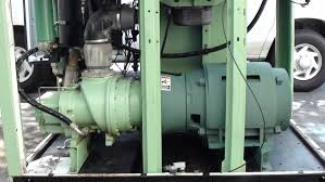 how a oil flooded rotary air compressor works youtube