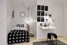Small Bedroom Dresser Lamps Large Mirrors In A Small Bedroom With White Walls And Table Lamps